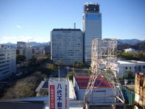 屋上から、県庁方面を見る。