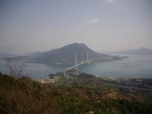 大三島から生口島を見る