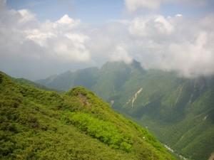 それでも雲が取れるとキレイな山々の姿が!
